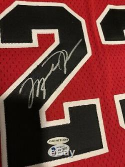 1996-97 Pro Cut Champion Bulls Red Jersey Michael Jordan Auto Autograph Uda