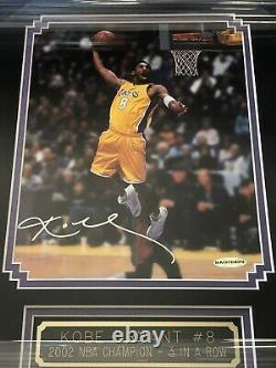 KOBE BRYANT Signed 8x10 Photo Upper Deck Authenticated UDA Framed LAKERS Beckett