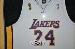 Kobe Bryant UDA Upper Deck Signed Autograph Lakers White Jersey Finals #11/124