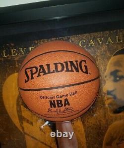 Lebron James Rookie Auto Cleveland Cavaliers Break Through Piece LBJ UDA LE/100