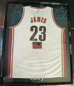 Lebron James Signed ROOKIE Jersey UPPER DECK AUTHENTICATED Autograph UDA