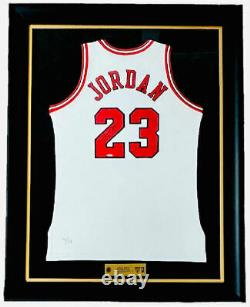 MICHAEL JORDAN Autographed Bulls Retirement Night 11/1/94 Jersey UDA LE 4/111