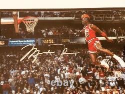 MICHAEL JORDAN CHICAGO BULLS SIGNED Framed DUNK CONTEST 8x10 PHOTO UDA COA NICE