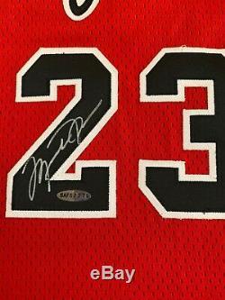 MICHAEL JORDAN Signed Autographed Rookie Jersey Upper Deck UDA RARE