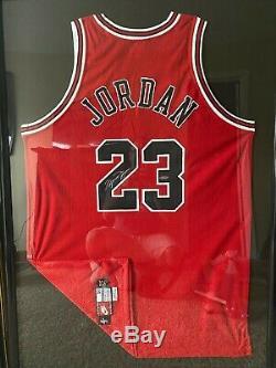 MICHAEL JORDAN UDA SIGNED Red Bulls 1997-98 Jersey + JORDAN/MAX UDA SIGNED Litho