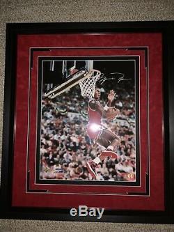 Michael Jordan Autographed 16 X 20 Photo Upper Deck UDA
