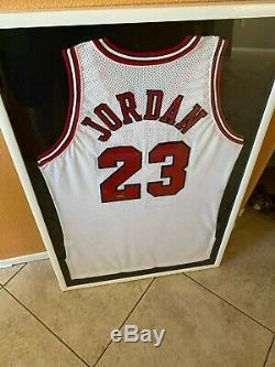Michael Jordan Autographed Jersey UPPER DECK UDA AUTHENTICATED in Custom Frame