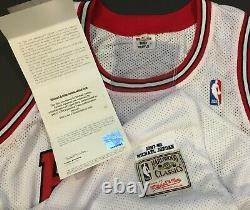 Michael Jordan Chicago BULLS Autographed Jersey UDA