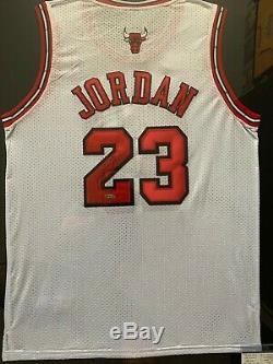 Michael Jordan Chicago Bulls Autographed UDA Framed NBA Finals Jersey