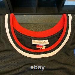 Michael Jordan Hall Of Fame 2009 Signed Chicago Bulls Jersey UDA Upper Deck