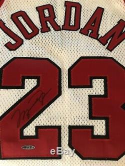Michael Jordan Signed UDA Autographed Bulls Nike Jersey