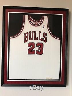 Michael Jordan UDA Signed Jersey 98/99 Retirement Season Framed. RARE
