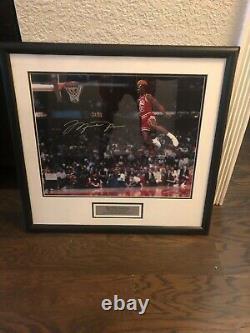 Michael Jordan signed 1988 slam dunk contest UDA authentication16x20 free throw