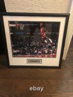 Michael jordan signed 1988 Slam dunk contest UDA16x20 free throw line