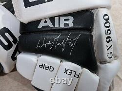 Rare Wayne Gretzky Hand-signed Easton Air Los Angeles Kings Gloves Uda & Jsa Wow