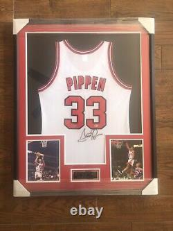 SCOTTIE PIPPEN Signed Jersey UDA Chicago Bulls White Champion Upper Deck Framed