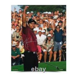 Tiger Woods Signed Autographed 20X24 Photo 2001 Masters Upper Deck UDA