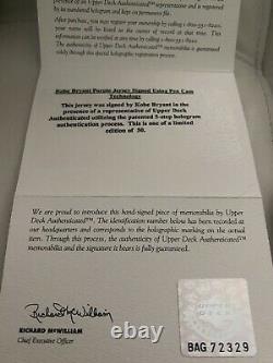 Bryant Uda Kobe Signe L Encadrement / E De 50 Pen Cam Auto Jersey Lakers Upper Deck
