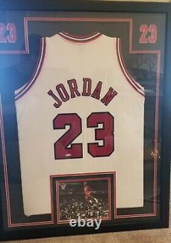 Cadre Autographié Michael Jordan Jersey Uda W Coa