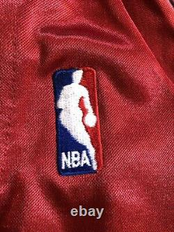 Dwyane Wade Autographié Red Miami Heat Jersey Upper Deck Signé Uda Coa