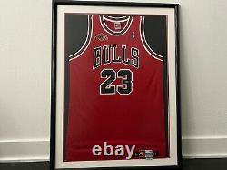 Encadré Michael Jordan Chicago Bulls Retirement Jersey Patch Uda /230 Auto Signed