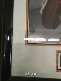 Kobe Bryant Auto 16 X 20 Framed Trophy Photo Uda Upper Deck /108 Avec Coa Signé