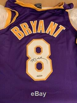 Kobe Bryant Autographié Auto Signé Lakers Violet Jersey # 8 Coa Uda