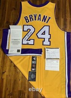 Kobe Bryant Autographié Jersey Archives #24 Debut Limited 124 Auto Uda Nom Complet
