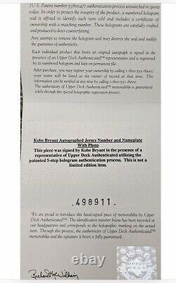 Kobe Bryant Autographié Numéro De Maillot Uda Avec Plaque & Photos