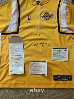 Kobe Bryant Signé Warm Up Jersey Shooting Shirt Upper Deck Uda