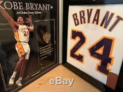 Kobe Bryant Uda Upper Deck Auto Signé # 24 Jersey Blanc Archives Boîte 9/124 Rare