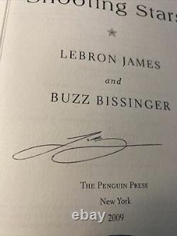 Lebron James A Signé Autograph Shooting Stars Book La Lakers Uda Coa Deck Supérieur