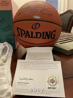 Lebron James A Signé Spalding Officiel Nba Basketball Uda Coa