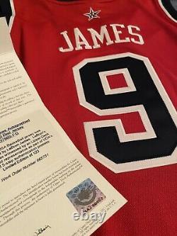 Lebron James Upper Deck Uda Signé Édition Limitée 89/123 USA Red Auto Jersey