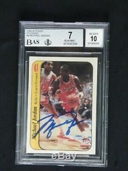 Michael Jordan 1986 Fleer Autocollant Signé Upper Deck Uda Rookie Autograph (bas)