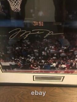 Michael Jordan A Signé 1988 Slam Dunk Concours Uda16x20 Ligne Des Lancers Francs