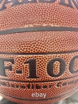 Michael Jordan A Signé Le Basket-ball Uda! Mint Auto/ Pas De Réserve