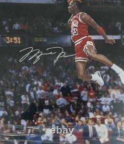 Michael Jordan A Signé Le Concours Dunk Photo Encadrée 27x23 Uda Hologram Auto