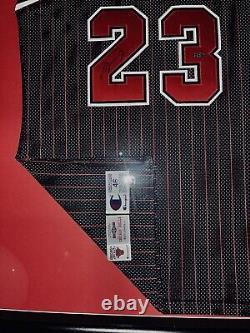 Michael Jordan A Signé Rare Jersey. Uda#baf97930. Deck Supérieur Nike 98-99