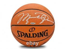 Michael Jordan A Signé Un Autographié De Basket-ball Officiel Nba Spalding Bulls Uda