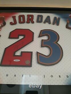 Michael Jordan Auto Framed Chicago Bulls Red 23 Jersey Numéros Uda De Pont Supérieur