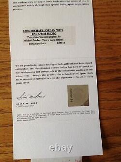 Michael Jordan Autograph Uda 8x10 Photo He's Back # 45 Jersey À Binder