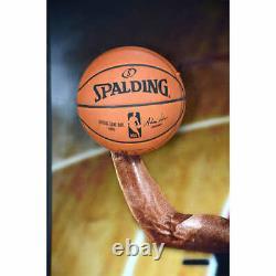 Michael Jordan Autographed Breaking Through Photo Encadrée Le # / 123 Uda 174307
