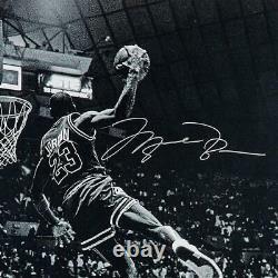 Michael Jordan Autographed Bulls Frozen In Time 30 X 40 Photo Uda