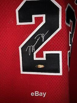 Michael Jordan Autographed Champion 95-96 Signé Red Jersey Upper Deck Uda