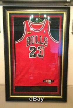 Michael Jordan Autographed Chicago Bulls Authentiques Finale Nba Jersey 1 De 6 Uda