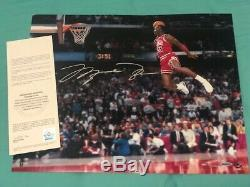 Michael Jordan Autographed Gatorade Slam Dunk 16x20 Photo Uda Coa (sans Cadre)