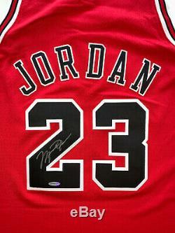 Michael Jordan Autographed Red Bulls M & N Jersey 1997-1998 Signé Upper Deck Uda