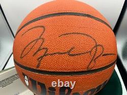 Michael Jordan Autographié Basketball Uda Wilson Hof Auto Signé Deck Supérieur