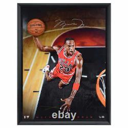 Michael Jordan Autographié Breaking Through Framed Photo Le #/123 Uda 174307